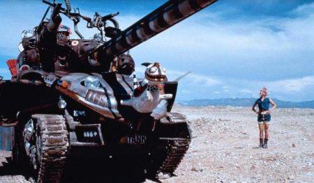 Tank Girl (mit Lori Petti und Naomi Watts)