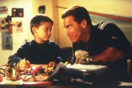 Versprochen ist versprochen (mit Arnold Schwarzenegger)