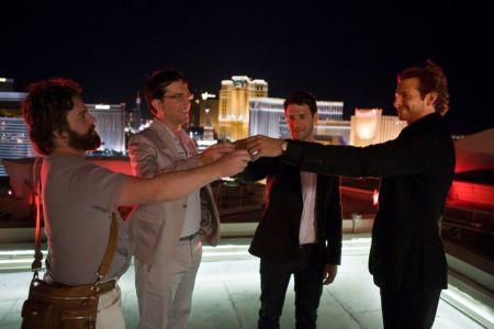 Hangover (mit Justin Bartha, Ed Helms, Bradley Cooper und Zach Galifianakis)